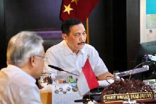 Luhut B. Panjaitan bersama Direktur Harita Nickel Tonny Hasudungan Gultom (Foto Wb Liputan-Malut)