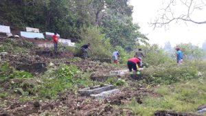 Lokasi pekuburan Islam desa Kusubibi yang dibersihkan Satgas RCM DPC APRI dan masyarakat (Foto Redaksi Liputan Malut)